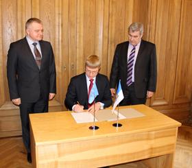 Parakstīts sadarbības protokols starp Rīgas un Minskas izpildvarām