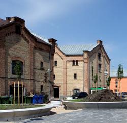 Svinīgi atklās renovēto Spīķeru kvartālu; promenādē pie Daugavas notiks preses konference par Pilsētas svētkiem