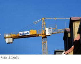 Строительная инспекция города Риги приостановила строительные работы на объекте комплекса высотных зданий Z torņi по улице Даугавгривас, 9