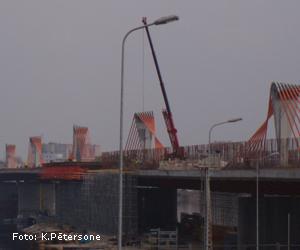 Šā gada nogalē tiks atklāta satiksme pār Dienvidu tiltu<br>