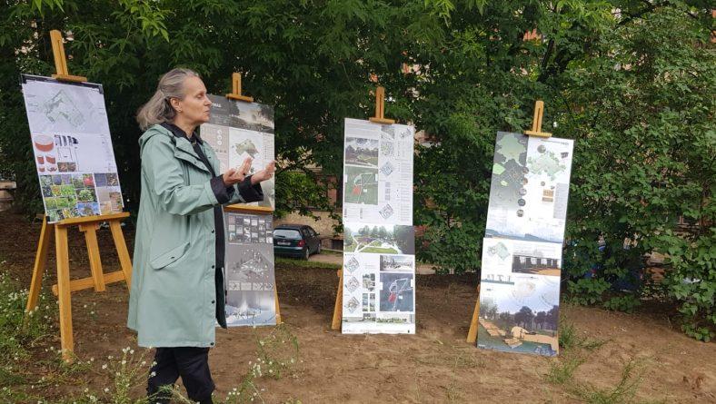 Apspriež idejas trīs Rīgas apkaimju iekšpagalmu labiekārtošanai