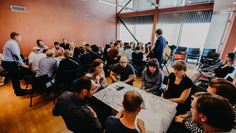 Vērtēs labākos risinājumus dzelzceļa šķērsošanai Daugavas kreisajā krastā