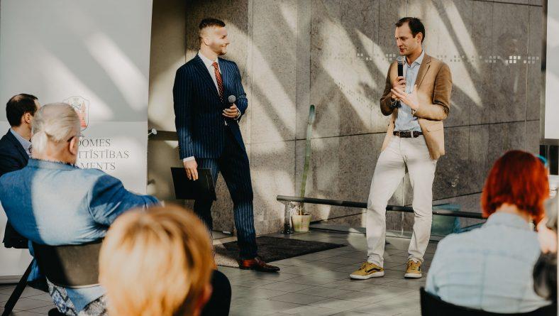 Turpinās pieteikumu iesniegšana Rīgas jauno uzņēmēju apmācībai Kembridžā