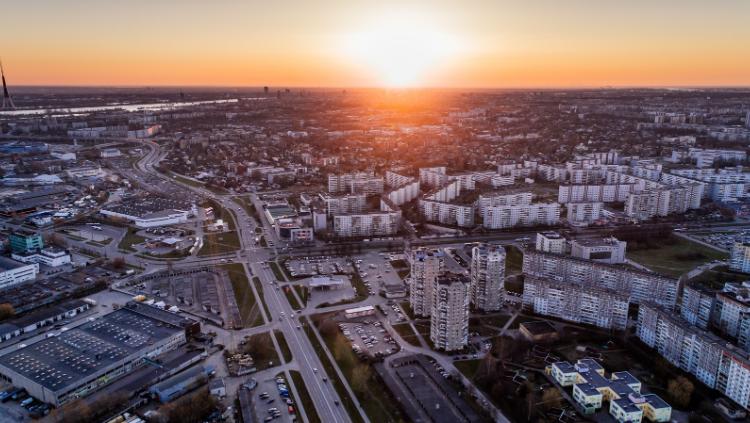 Nodos sabiedriskajai apspriešanai pilnveidoto Rīgas teritorijas plānojumu